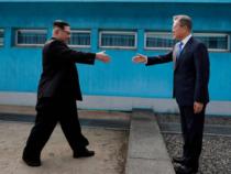 Corea, vertice Nord-Sud tra Kim Jong-un e Moon: «Pace entro fine anno e denuclearizzazione»