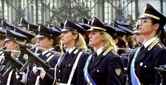 Poliziotte nei Reparti Mobili a fare ordine pubblico