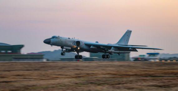 Bombardieri cinesi schierati nel Mar Cinese del Sud