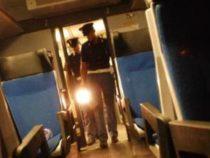 """Far west sui treni locali: """"Urgenti militari a bordo per fermare le violenze"""""""
