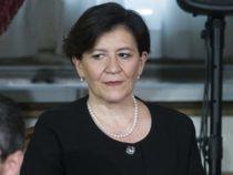 Ministro Difesa Trenta: polemiche sul trasferimento del marito