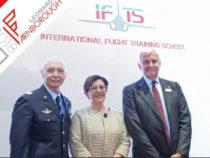 Scuola di volo per futuri piloti di caccia