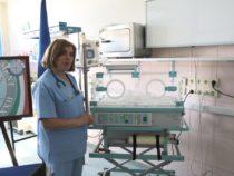 Kosovo: Esercito dona incubatrice al reparto di neonatologia