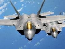 """USA: caccia """"versione ibrida"""" con caratteristiche tra F-22 e F-35"""