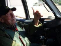 A 96 anni ex radarista di bordo realizza il suo sogno