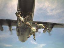 Esercitazione paracadutisti del Team Folgore