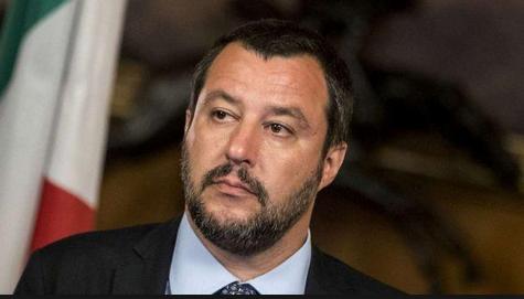 """Lo Stato Maggiore sfida Salvini: """"Seguire la linea gerarchica"""""""