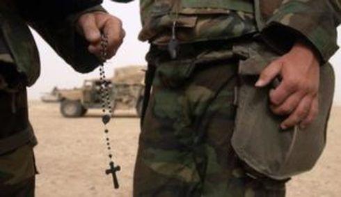 Difesa: Accordo Stato italiano e Vaticano sul nuovo status dei cappellani militari