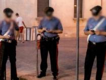 Carabinieri col telefonino: Arriva divieto dal comando dell'Arma