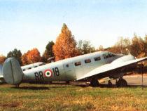 Torino: Un hangar dove rinascono gli aerei