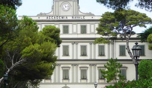 Marina Militare: Livorno, illuminazione tricolore per la facciata dell'Accademia Navale