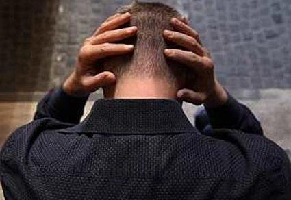 Cronaca: Forze dell'ordine travolte dai suicidi