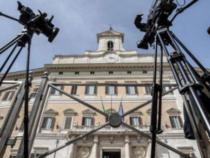 Montecitorio: Scheda stipendi d'oro non dei politici ma dei tecnici