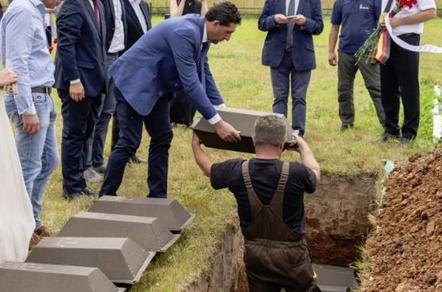 Russia: Rientrate in Italia 12 salme di caduti italiani