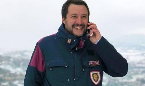 Gabrielli giustifica Salvini sull'uso della divisa