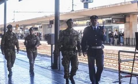 Milano:Esercito, Marina e Aeronautica gratis su treni, metro e autobus