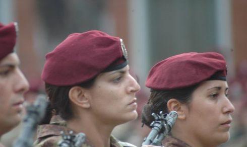 Forze Armate: Venti anni fa le donne entravano nell'esercito