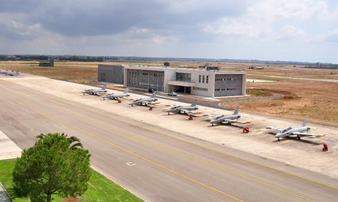 Scuole di Volo AM: Il 61° Stormo dell'Aeronautica Militare di Lecce-Galatina