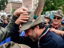 Cappello da alpino: Trenta attacca Salvini