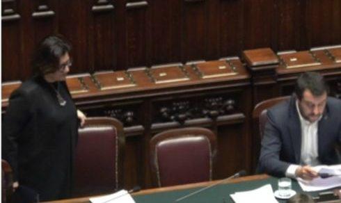 Scontro tra Elisabetta Trenta e Matteo Salvini sul nodo sicurezza