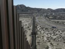 Pentagono: 650mln di dollari per ricostruire muro al confine con Messico