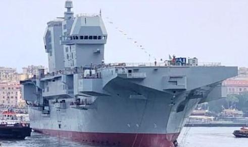 La nave anfibia multiruolo LHD Trieste sarà equipaggiata con ski-jump