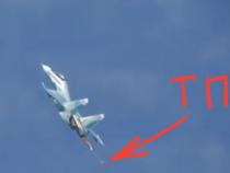 Estero: Apertura imprevista di un paracadute frenante su un caccia Su-30SM