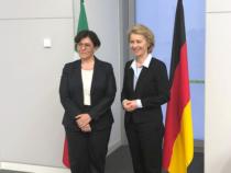 """Europa: Dagospia, """"Ministro Trenta dietro l'elezione di Ursula von der Leyen"""""""