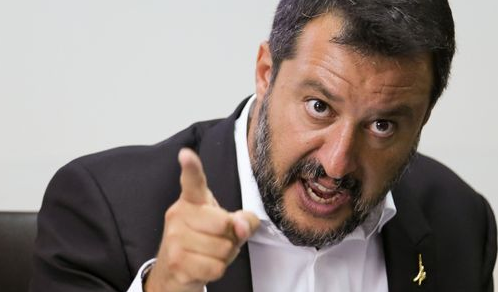 Politica: Governo, Salvini grida all'inciucio