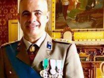Un colonnello a capo Corpo militare Croce Rossa Italiana