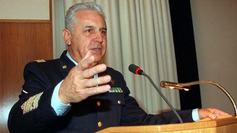"""Operazione """"Mare Sicuro"""": Il generale Arpino attacca la Trenta"""