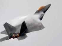 Video in hyper-lapse del volo di un caccia F-22 Raptor