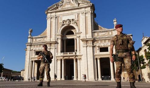 """Marche e Umbria: Gratitudine ed ammirazione dai cittadini ai militari di """"Strade Sicure"""""""