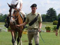 Esercito: Sei Lancieri di Montebello diventano operatori di riabilitazione equestre