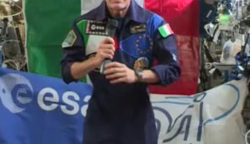 Luca Parmitano in collegamento dalla Iss con il premier Giuseppe Conte