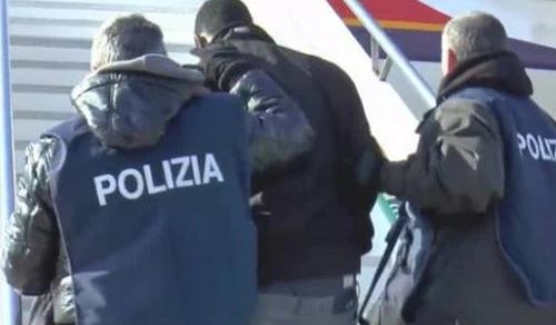 Livorno: L'ira dei poliziotti, non ci sono soldi
