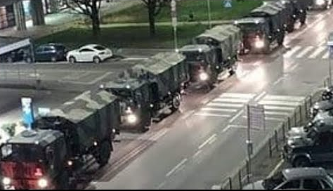 Coronavirus: Bergamo, le bare sui camion militari