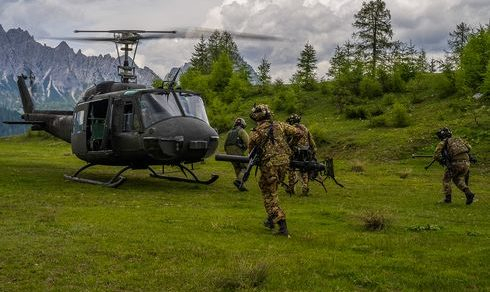 Addestramento: Scuola tiro mortai sul monte Bivera per gli alpini del 7° reggimento di Belluno della Brigata alpina Julia