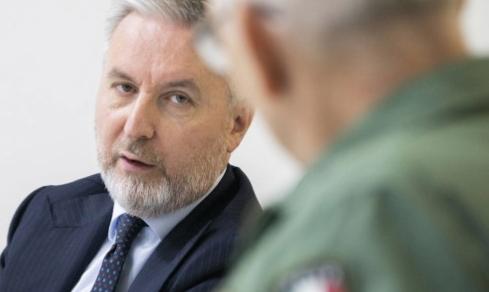 Sardegna: Il ministro Lorenzo Guerini in visita alla base aerea di Decimomannu