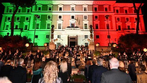 Piazza del Viminale: Concerto della Polizia di Stato dedicato alle vittime del Covid e un ringraziamento agli operatori sanitari