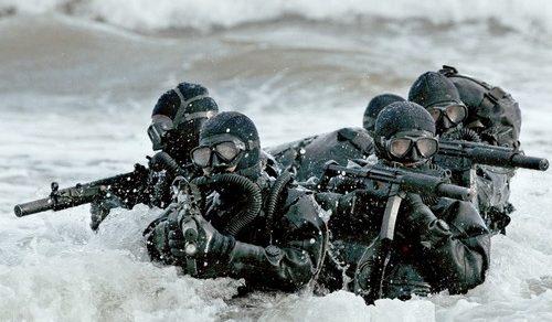 Gli incursori della Marina Militare: Ecco le missioni del Comsubin