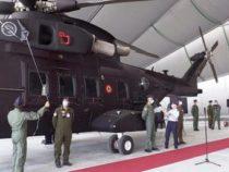 Aeronautica Militare: Cerimonia di scoprimento del nuovo elicottero HH-101 al 19° Stormo di Grazzanise