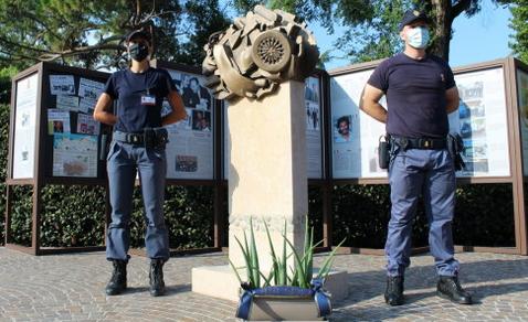 Scuole allievi agenti: Tina Montinaro ha incontrato i poliziotti nelle scuole di Alessandria, Piacenza , Brescia e Peschiera del Garda