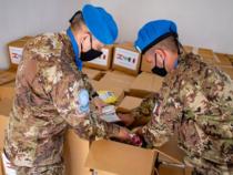 Missione in Libano: I caschi blu italiani donano cibo a famiglie bisognose