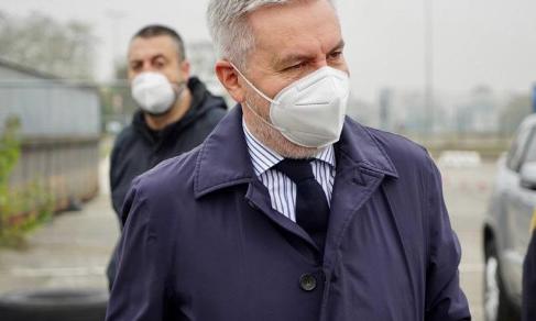 Milano: Il ministro della Difesa Lorenzo Guerini in visita al Centro Ospedialiero