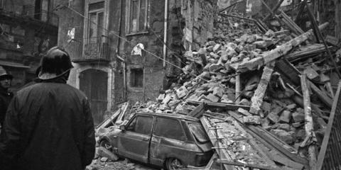 """23 novembre 1980: """"Mio padre, Vigile del Fuoco nell'80. Lo rivedemmo dieci giorni dopo la scossa del 23 novembre"""""""