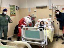 """Bologna: L'Aviazione dell'Esercito con Babbo Natale all'Ospedale Maggiore """"Carlo Alberto Pizzardi"""""""