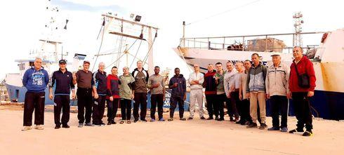 Politica: Liberati i pescatori sequestrati in Libia. Conte e Di Maio a Bengasi