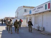 """Afghanistan: Herat, avvicendamento tra la Brigata alpina """"Julia"""" e la Brigata paracadutisti """"Folgore"""""""