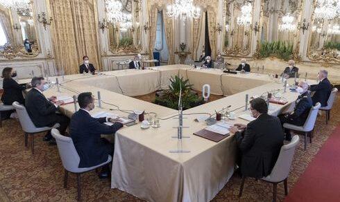 """Consiglio supremo di Difesa: """"Lo sviluppo del Paese passa dalla Difesa"""""""